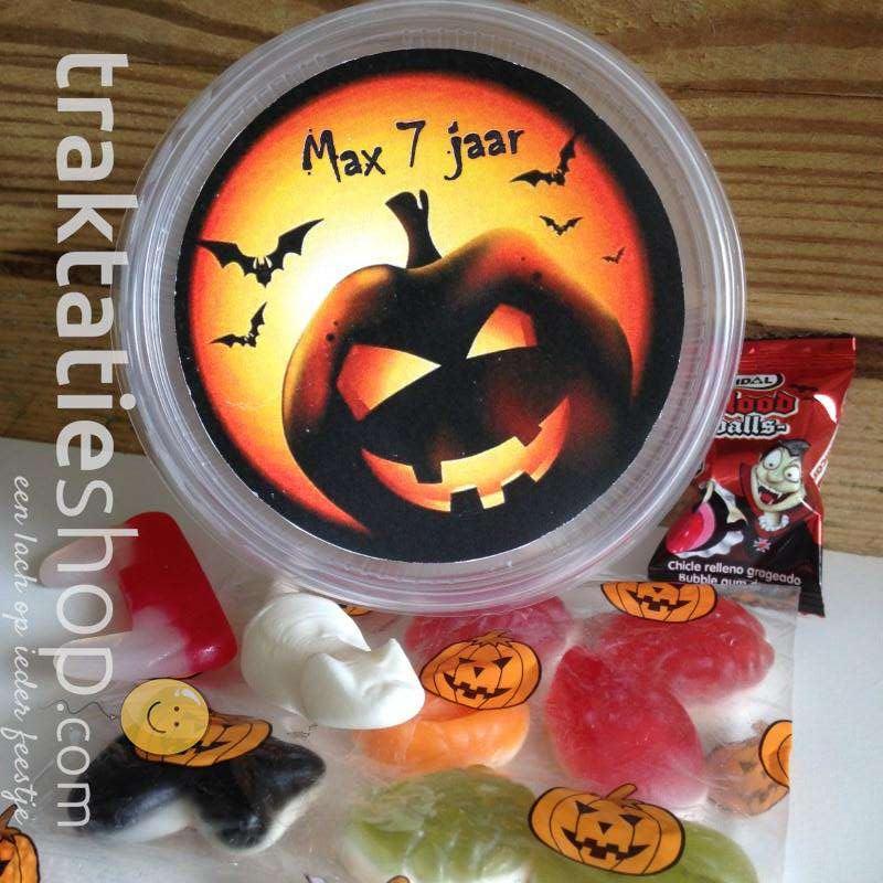 Halloween Traktaties.Halloween Traktatie Bakje